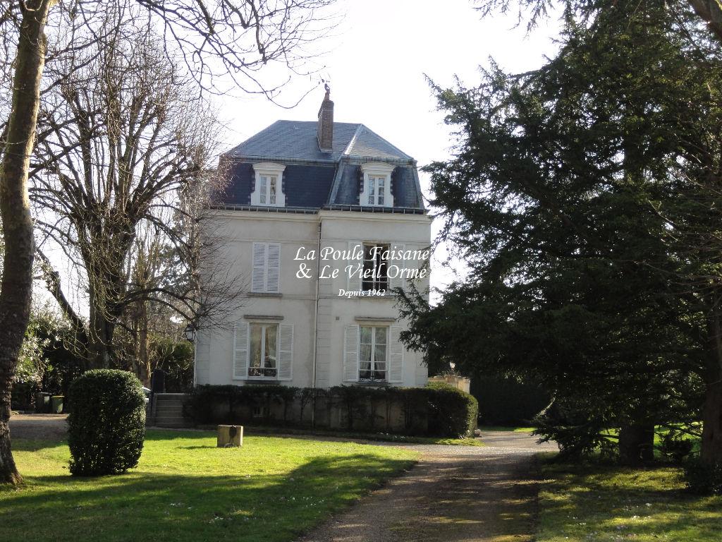 MONTFORT L'AMAURY -  Propriété ancienne